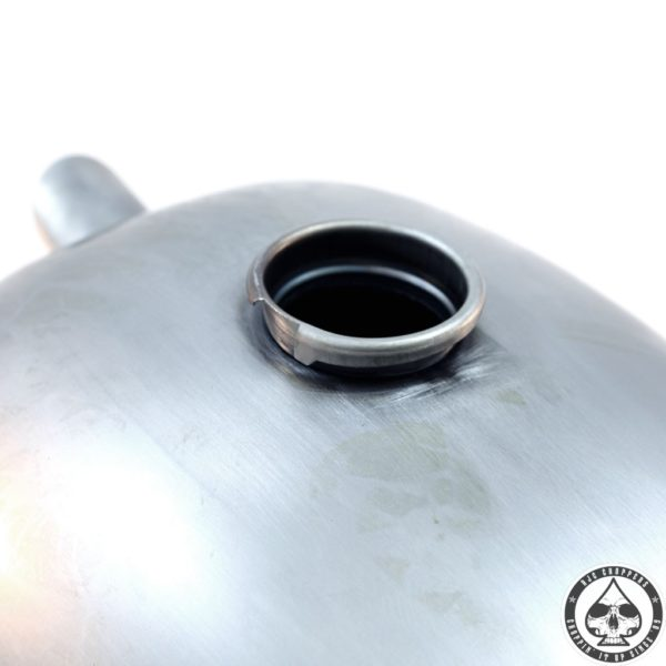 Lowbrow P-nut 'Wassel' gas tank 2 gallon High Tunnel